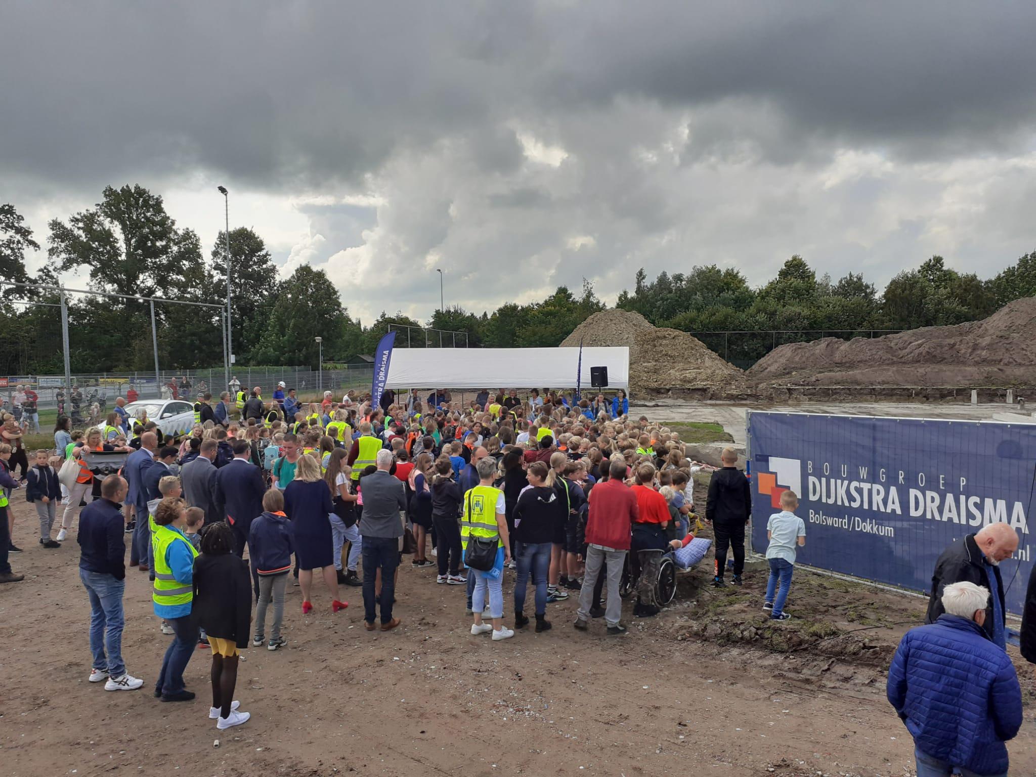 Eerste paal nieuwbouw Integraal Kindcentrum in Marum